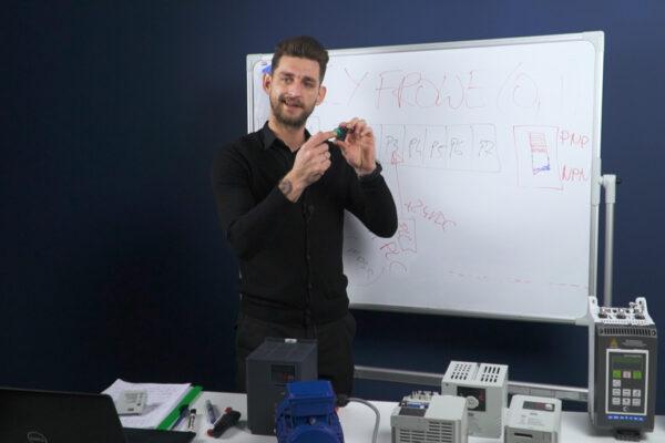 Falowniki #1 Kurs podstawowy o przemiennikach częstotliwości